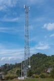 Antenne de radiodiffusion de téléphone portable à arrière-pays de la Thaïlande Photo libre de droits