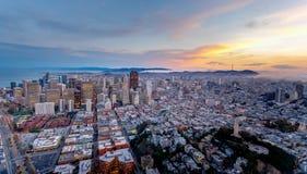 Antenne de San Francisco au coucher du soleil images libres de droits