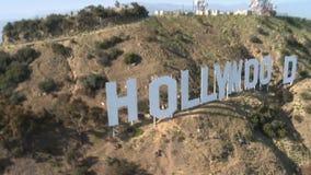 Antenne de signe de Hillside hollywood banque de vidéos