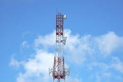 Antenne de télécommunication - image courante Photo stock