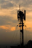 Antenne de téléphone de silhouette Photos stock