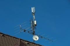 antenne de télévision et émetteur de Wi-Fi Photographie stock