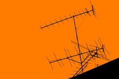 Antenne de télévision sur le toit Photos libres de droits