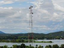 Antenne de tour de télécommunication Photographie stock libre de droits