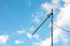 Antenne de TV sur le ciel Image stock