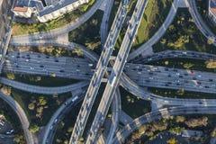Antenne de Van de binnenstad van Los Angeles van de snelweguitwisseling Stock Afbeelding