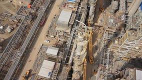 Antenne der Erdölraffinerieanlage im Bau 50p stock footage