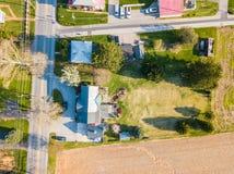 Antenne der Kleinstadt umgeben durch Ackerland in Shrewsbury, P Lizenzfreie Stockfotos