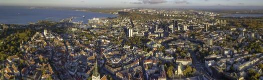 Antenne der Stadt Tallinn, Estland lizenzfreies stockfoto
