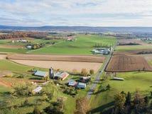 Antenne des terres cultivables entourant Shippensburg, Pennsylvanie pendant image stock