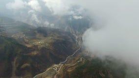 Antenne die van landschap in Westelijk Sichuan, Sichuan, China wordt geschoten stock video