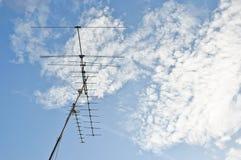 Antenne en blauwe hemel stock foto's