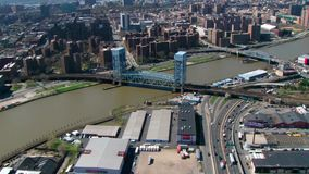 Antenne over de stadsbruggen van Jersey stock videobeelden