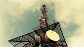 Antenne Palo per la rete del cellulare di radiodiffusione stock footage