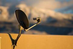 Antenne parabolique à la maison Images libres de droits