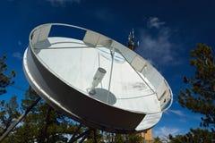 Antenne parabolique de vieille grande C-bande Photos libres de droits