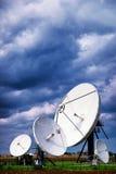 Antenne parabolique - radiotélescope Photographie stock libre de droits