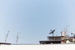 Antenne satellite TV par câble Photos stock