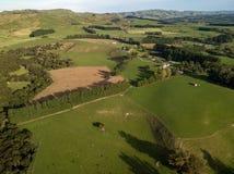 Antenne, Schatten über Ackerland bei Sonnenuntergang, Martinborough Neuseeland Lizenzfreie Stockfotos