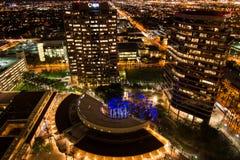 Antenne van de gebouwen van de binnenstad bij nacht in Phoenix, AZ Royalty-vrije Stock Afbeelding