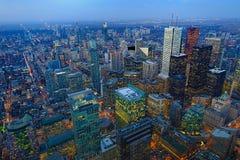 Antenne van de gebouwen van Toronto na zonsondergang Stock Afbeeldingen