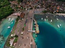 Antenne van de haven in het overzees wordt geschoten die Stock Afbeelding