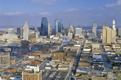 Antenne van de horizon van Kansas City, MO Stock Foto