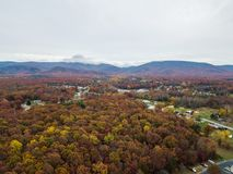 Antenne van de kleine stad van Elkton, Virginia in Shenandoah V stock afbeelding