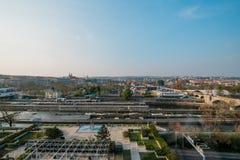 Antenne van de Stadscentrum van Praag wordt geschoten, Tsjechische Republiek - de Lente van 2019 die stock foto's