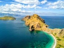 Antenne van het Eiland van Pulau Padar stock fotografie