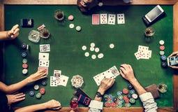 Antenne van mensen die gok in casino spelen stock afbeelding