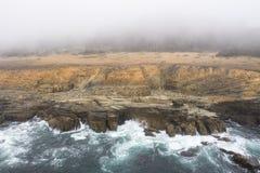 Antenne van Rocky Coastline van Noordelijk Californië in Sonoma royalty-vrije stock afbeeldingen