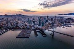 Antenne van San Francisco bij zonsondergang Stock Fotografie