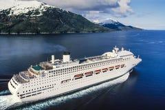 Antenne von Alaska-Kreuzschiff lizenzfreie stockfotografie