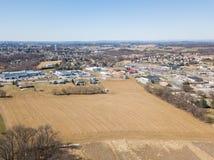Antenne von Häusern und von Ackerland im roten Löwe, Pennsylvania in York C Lizenzfreie Stockfotografie