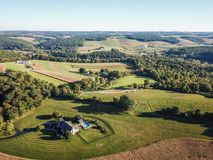 Antenne von Loganville, Pennsylvania um See Redman und See W Lizenzfreie Stockfotos