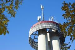 Antennen auf dem Dach lizenzfreie stockfotos