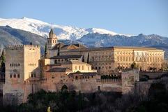 Antennen beskådar av den Alhambra slotten i Granada Royaltyfri Bild