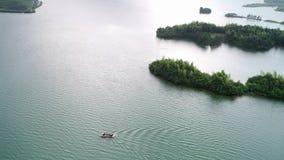 Antennen beskådar av lakes och berg royaltyfri fotografi