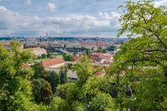 Antennen- oder Felsenansicht über die historische Stadt von Prag in der Tschechischen Republik Stockbilder