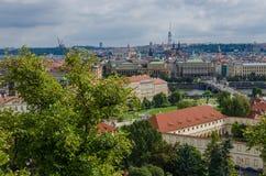 Antennen- oder Felsenansicht über die historische Stadt von Prag in der Tschechischen Republik Lizenzfreies Stockbild