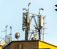 Antennen- und Zellturm stockbild