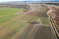 Antennenfelder im Vorfrühling Luftschuß von Feldern Lizenzfreie Stockfotos