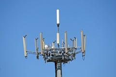 Antenner för överföringen av signaler av den mobila phoen Royaltyfri Fotografi