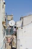 Antennes de télévision par satellite Photo libre de droits