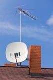 Antennes op dak Royalty-vrije Stock Foto's
