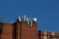 Antennes op het dak royalty-vrije stock afbeelding