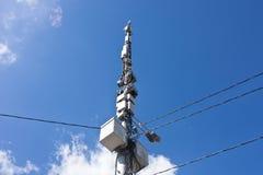 Antennes sur le fond de ciel bleu Images libres de droits