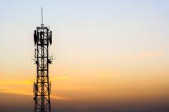 Antennmobiltelekommunikation Arkivfoto