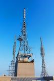 antennrepetervapen, satellit, 3g, torn 4g Arkivfoto